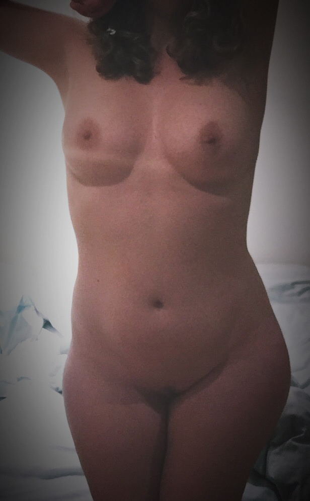 Look at me naked here for you